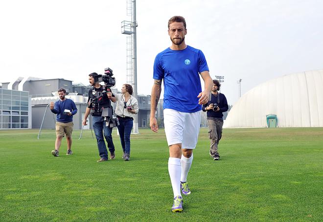 Centro di allenamento Juventus (Vinovo, To) - Claudio Marchisio sul set per la campagna AIRC - Un Gol per la Ricerca 2013 (produzione SportWide Group).