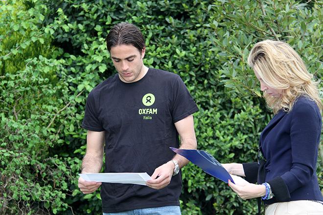 Alessandro Matri sul set della campagna Oxfam - Con le donne per vincere la fame - Firenze, Centro di allenamento Campini, 22 aprile 2014 (produzione SportWide Group)